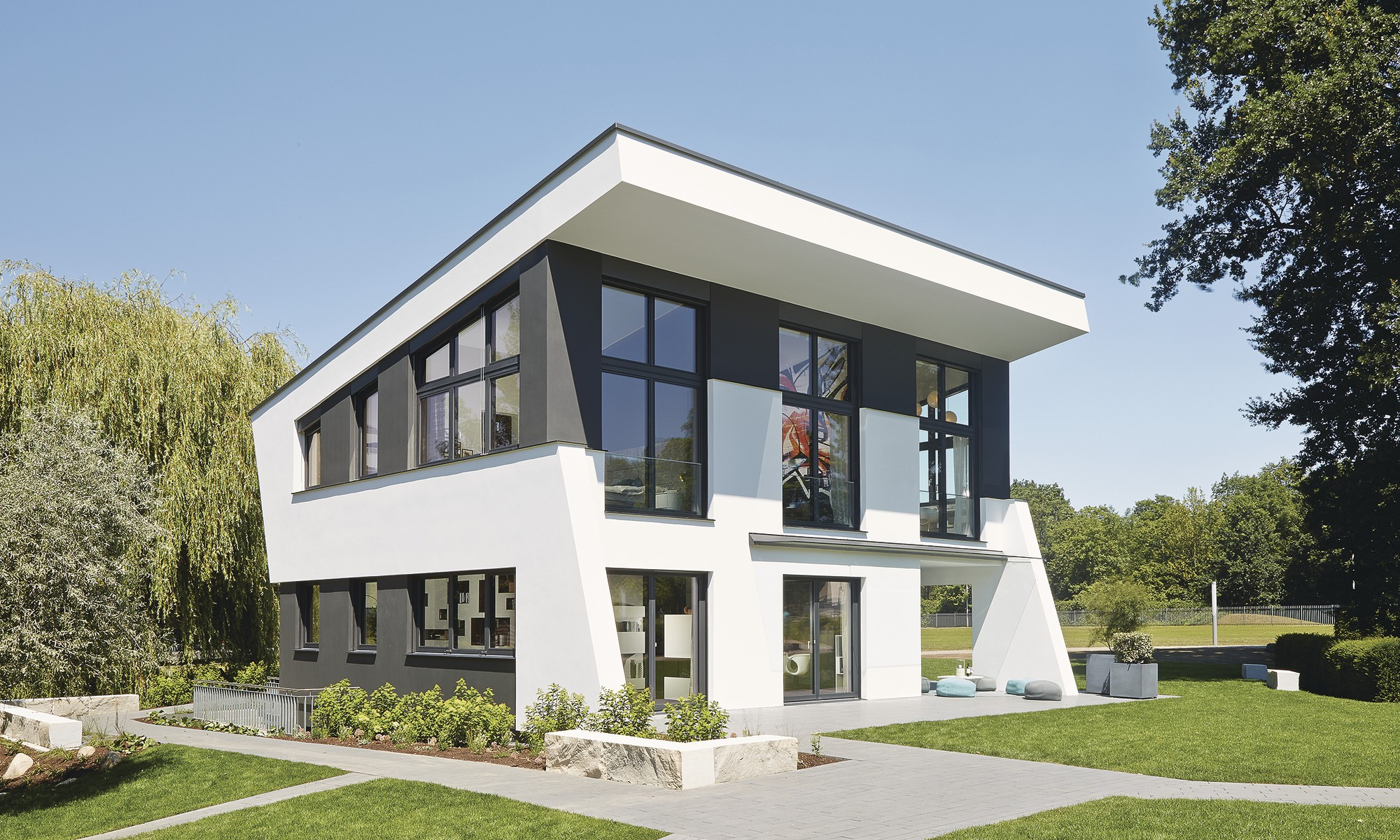 Ultra modern prefabricated house architecture
