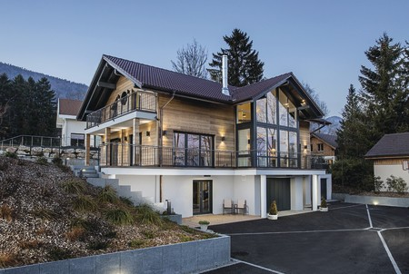 Imposantes Haus am Genfer See