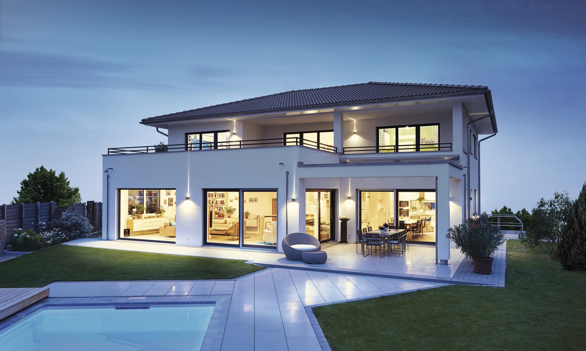 WeberHaus - Modernes Traumhaus mit Pool und Sauna