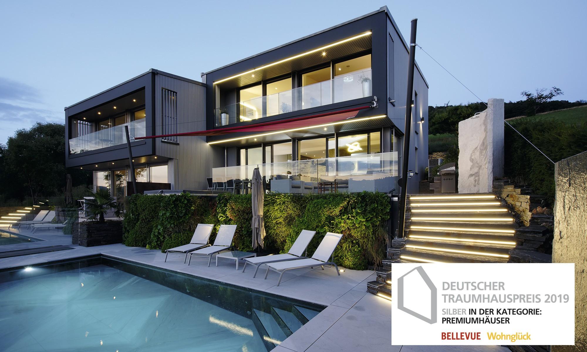 WeberHaus - Ultra modernes Haus am Hang