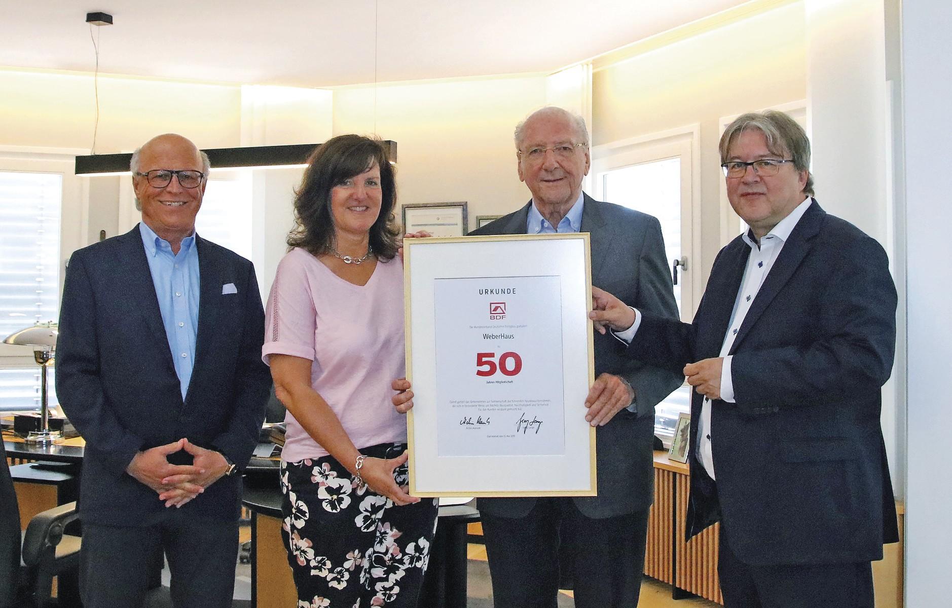 WeberHaus: 50 Jahre Mitgliedschaft im Bundesverband Deutscher Fertigbau (BDF)