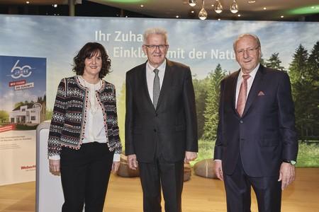 Kretschmann lobt Innovationkraft von WeberHaus